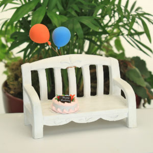 Birthday bench with balloons