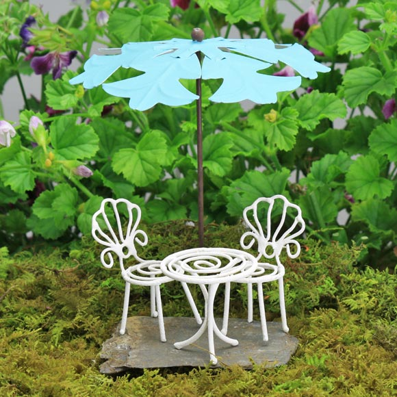 Bistro Set & Umbrella
