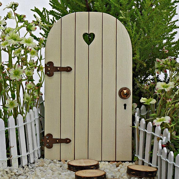 Sweetheart fairy door wooden fairy door the fairy garden for Fairy doors au