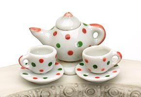 Tea pot & tea cups - polka dot