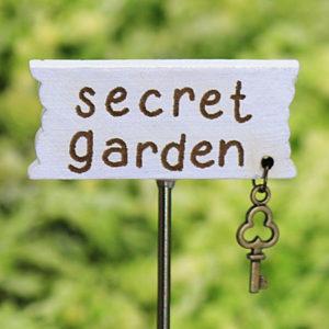 Secret Garden Sign & Key