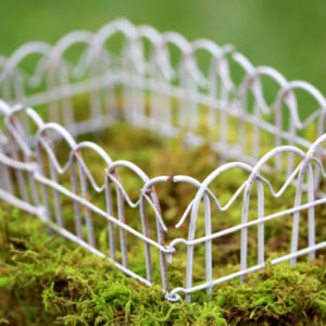 Linked Fencing - White Wire, Fairy Garden Accessory