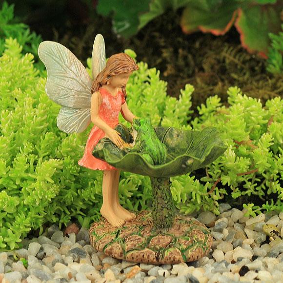 Leaf Bird Bath with Fairy & Frog