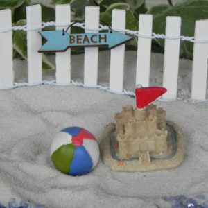 Beach Arrow Sign & Fence - Blue