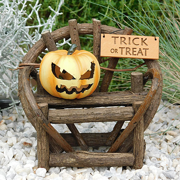 Trick or Treat Twig Bench