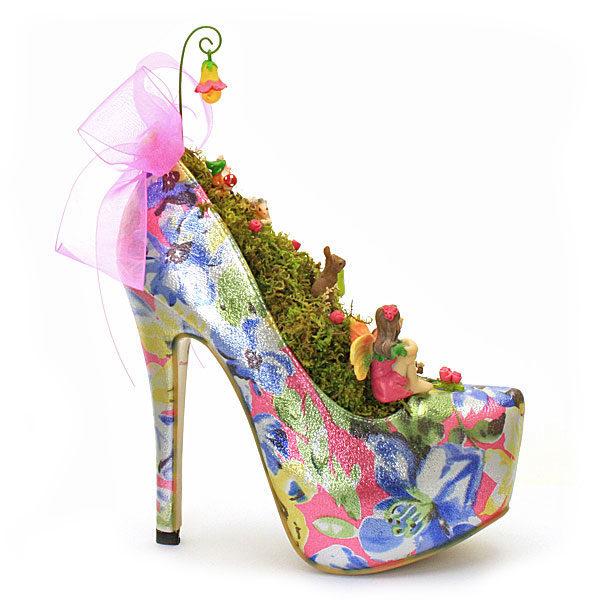 Pink Metallic Shoe Garden
