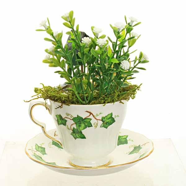 Vintage Ivy Leaf Teacup Fairy Garden