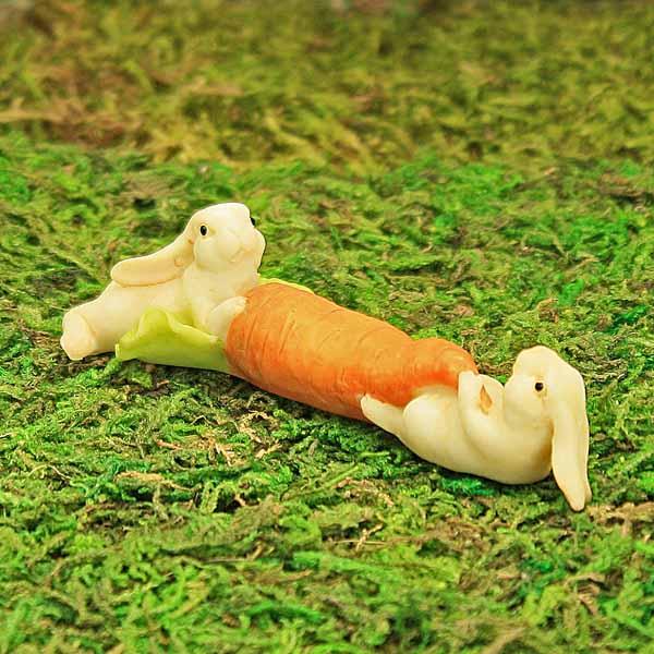 Bunnies & Carrot
