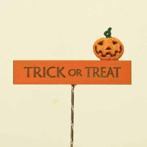 Trick or Treat Sign/Pumpkin