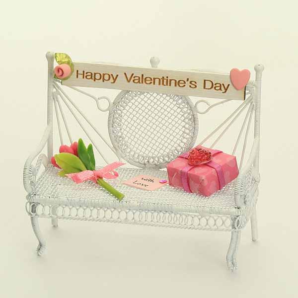 Valentines Bench - Pink