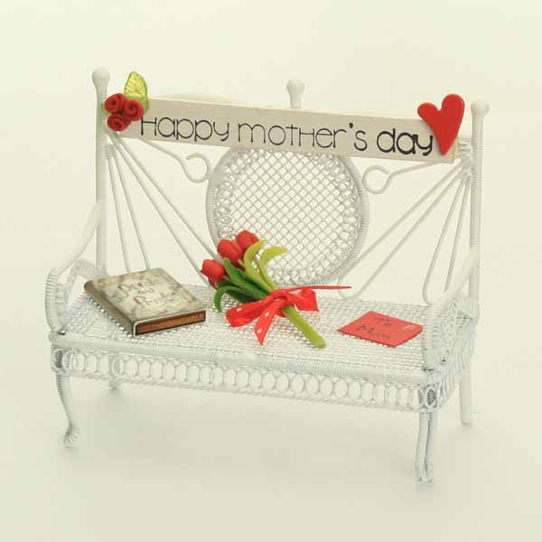 Happy Mother's Day Bench - Red Flowers