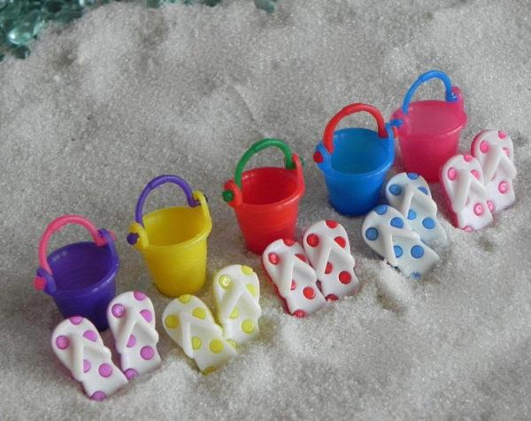 Beach Bucket & flip flops